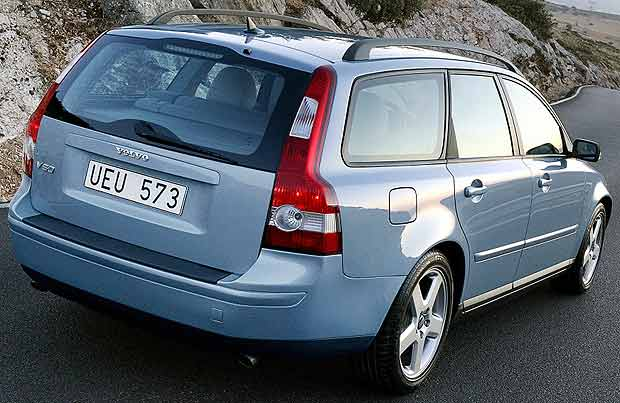 l 39 outrefranc afficher le sujet volvo v50 d but 12. Black Bedroom Furniture Sets. Home Design Ideas